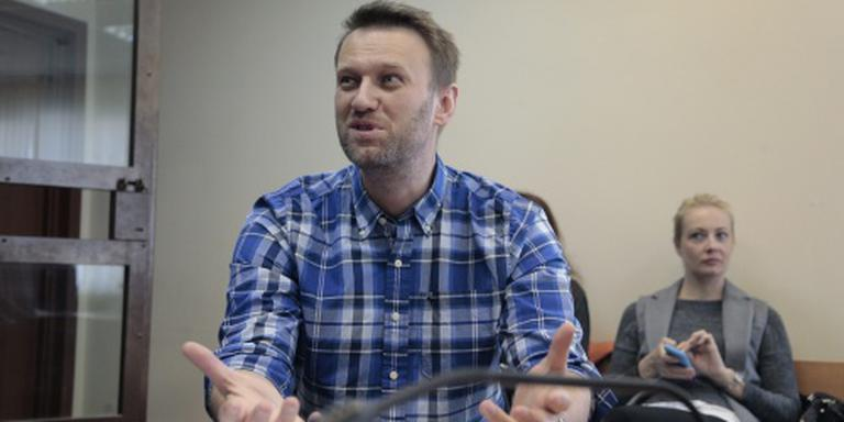 Oppositieleider Navalni belaagd door kozakken