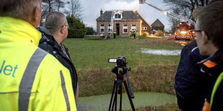 112-journalisten bij een brand in Nij Beets, eerder deze maand. FOTO JILMER POSTMA