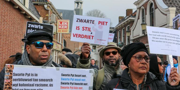 Protesteren tegen Swarte Pyt. FOTO LC/ARODI BUITENWERF