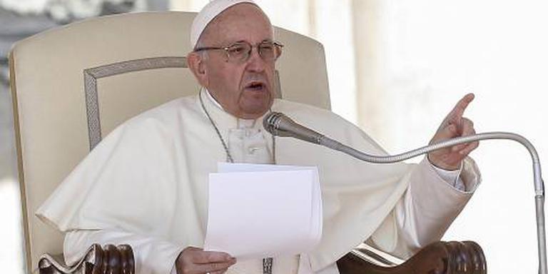 Paus roept bisschoppen naar Rome over misbruik