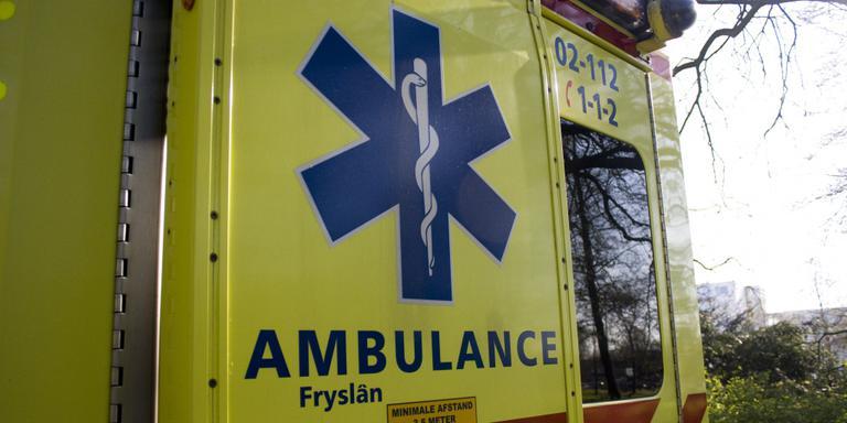 Vrachtauto botst op auto: gewonde