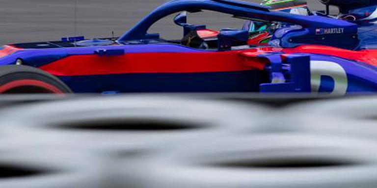 Zware crash Hartley in training Silverstone