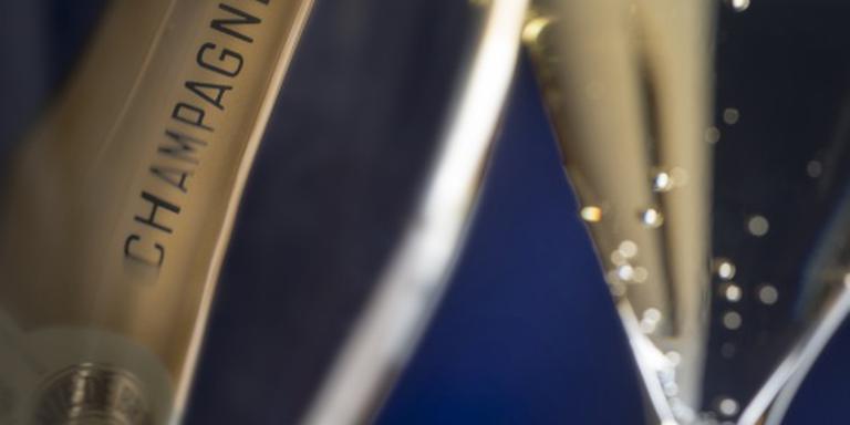 Champagneverkoop bruist naar record