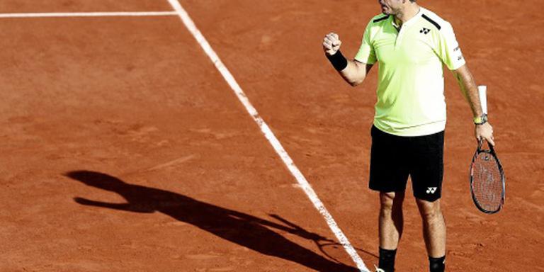 Wawrinka soepel door op Roland Garros