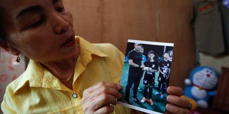 Thaise jongens vragen om niet te veel huiswerk