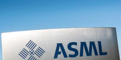ASML en Akzo stralen op groen Damrak