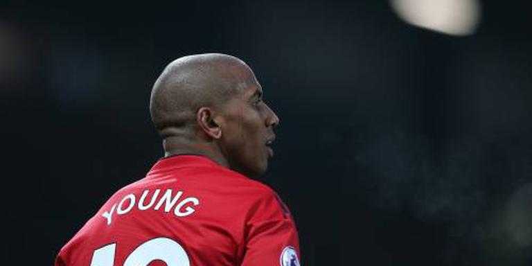 Young gaat nog jaar door bij United