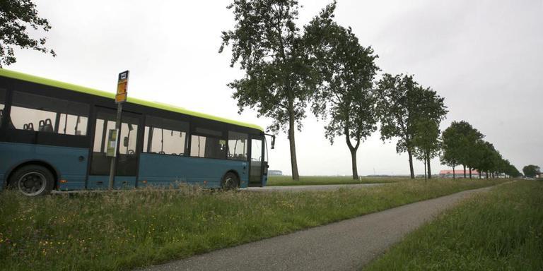 Openbaar vervoer platteland. FOTO LC ARCHIEF