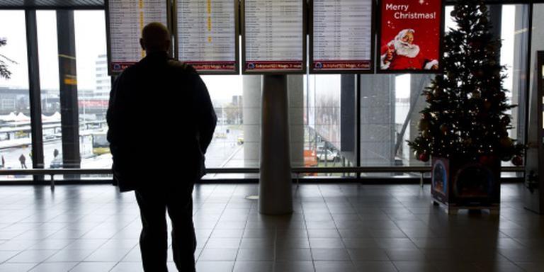 Hal Schiphol kort ontruimd om bomdreiging