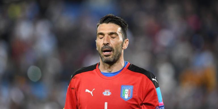 Ontroostbare Buffon laat tranen vrije loop