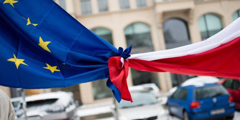 Brussel verhoogt druk op Polen om rechtsstaat