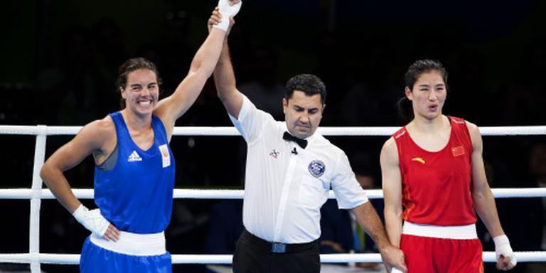 Fontijn knokt zich naar olympische boksfinale