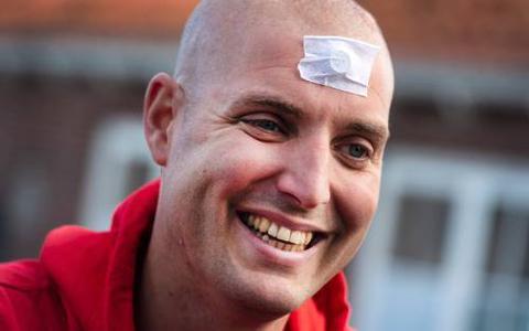 Waarom Maarten van der Weijden voor de tweede keer voor kankeronderzoek gaat zwemmen