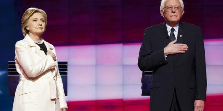 Sanders stemt voor Hillary Clinton
