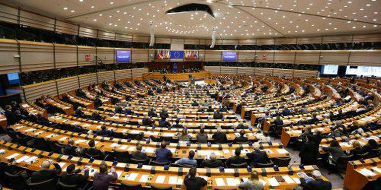 EU-parlement eist duidelijkheid van Cameron