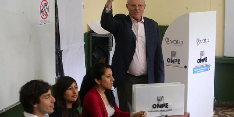 Presidentsverkiezing in Peru nek-aan-nekrace