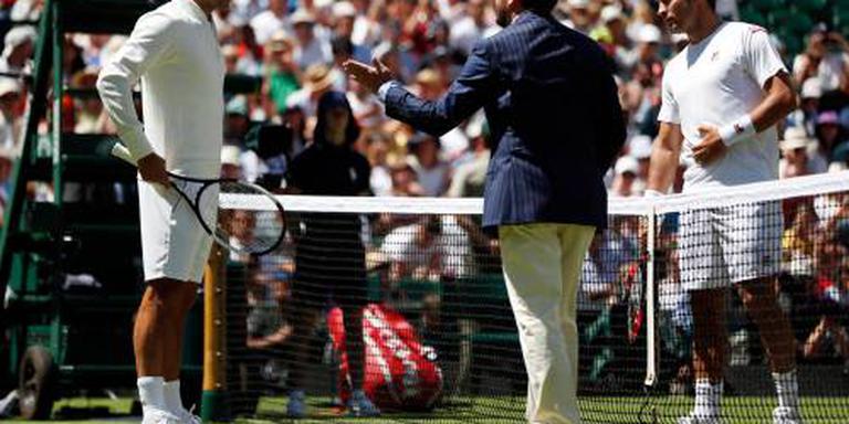 Federer met speels gemak in 79 minuten verder