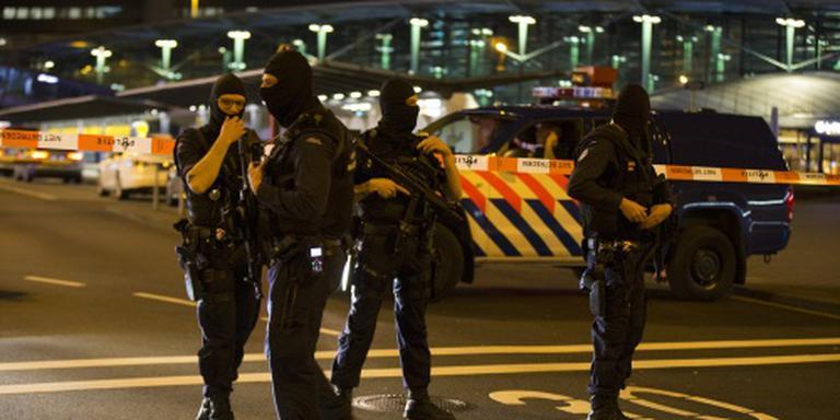 Op Schiphol aangehouden Pool vrijgelaten
