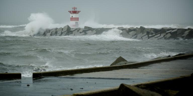 Zaterdagavond stormachtig aan de kust