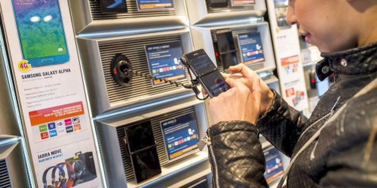 'Mobiel bellen goedkoper, vast duurder'