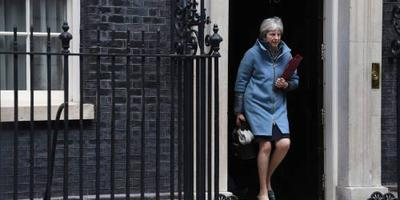 May spreekt Conservatieve parlementariërs toe