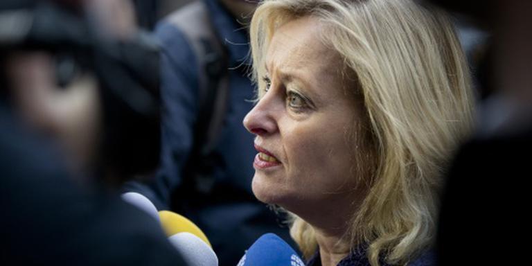 Minister Bussemaker: geen vuurwerkverbod