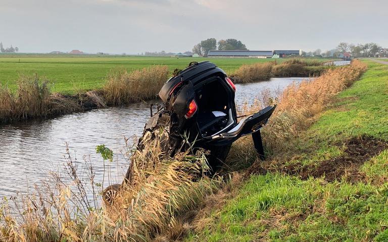 Forse aanrijding in Aldeboarn: bestuurder gewond.