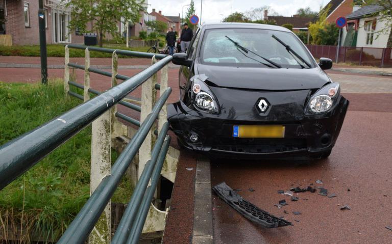 Beschonken bestuurder veroorzaakt botsing in Kollum.