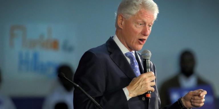 Bill Clinton spreekt op uitvaart Ali