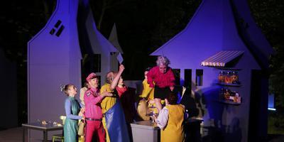 Snakkerburen opgelucht: theater verplaatst dankzij gift