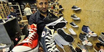 Relaxed 150 paar schoenen stelen