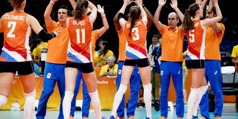 Derde zege volleybalsters