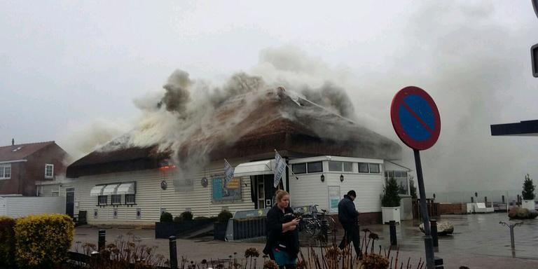sloop van woning bij afgebrand theehuis grou - friesland - lc.nl