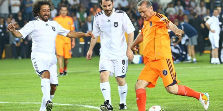 Bestuurders Turkse voetbalbond stappen op