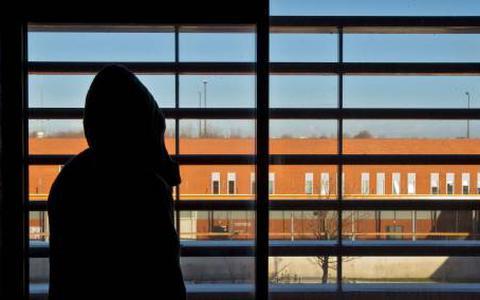 Misbruik kwetsbare jongens: D66 wil erover praten in raad