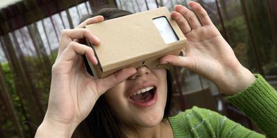 In 2016 komen onder andere Oculus Rift en Sony met VR-brillen. Maar Google biedt met de Cardboard ook een VR-ervaring die voor iedereen met een smartphone toegankelijk is. FOTO HOGE NOORDEN/JAAP SCHAAF