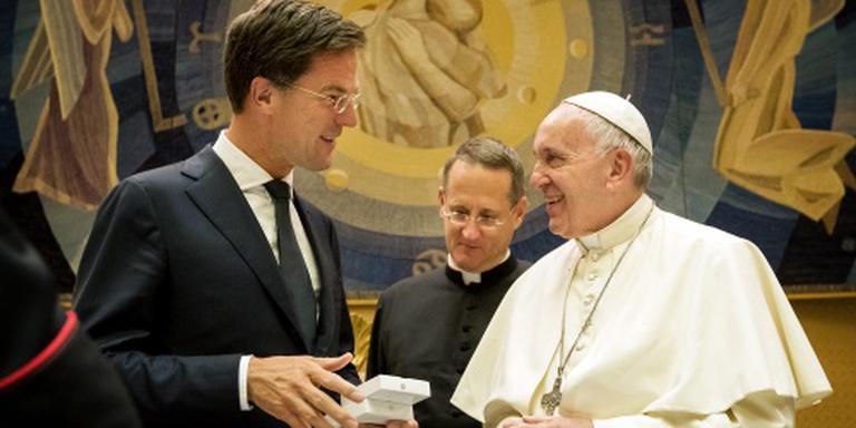 Rutte en paus spreken over vluchtelingen