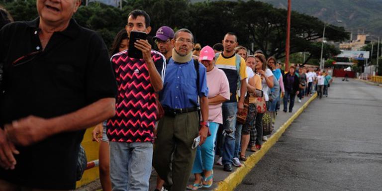 Venezuela opent grens met Colombia even