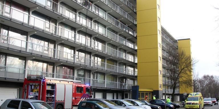 Brand in flatwoning aan De Kei. FOTO DE VRIES MEDIA.