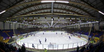 De ijshockeyhal is technisch gedateerd en aan vernieuwing toe.