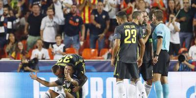 Rood voor Ronaldo bij CL-debuut voor Juventus