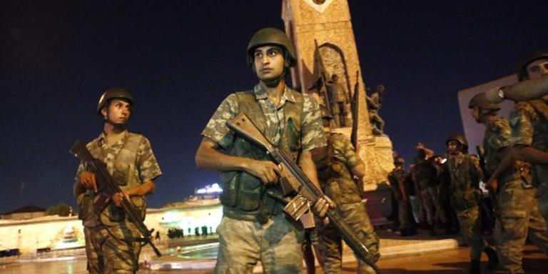 Politieke zuiveringen gaan door in Turkije