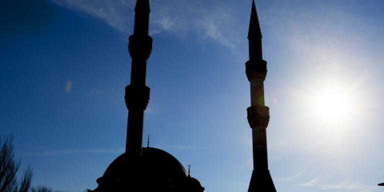 Omwonenden moskee testen geluid gebedsoproep