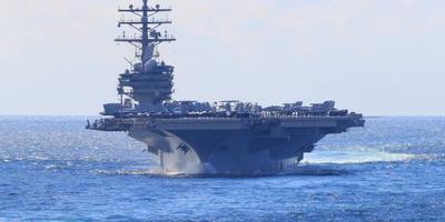 Helikopter stort neer op vliegdekschip VS