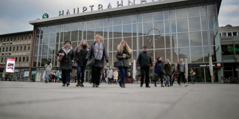Demonstratie tegen overvallen vrouwen Keulen