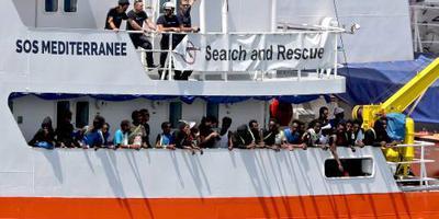 Oplossing voor Aquarius-vluchtelingen