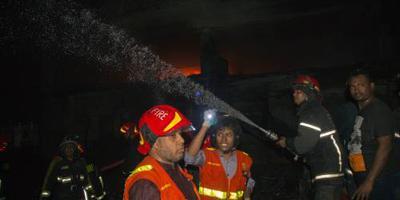Tientallen doden bij brand in Bangladesh