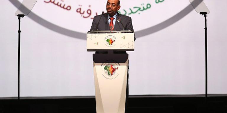 President Sudan gooit grens met zuiden open