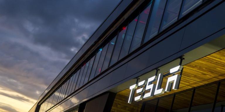 Tesla onthult bus en vrachtwagen in 2017