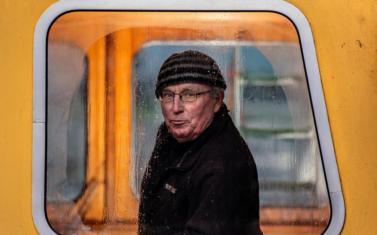 Visser Sipke Bootsma (76) heeft zo zijn bedenkingen bij de vismigratierivier onder de Afsluitdijk.
